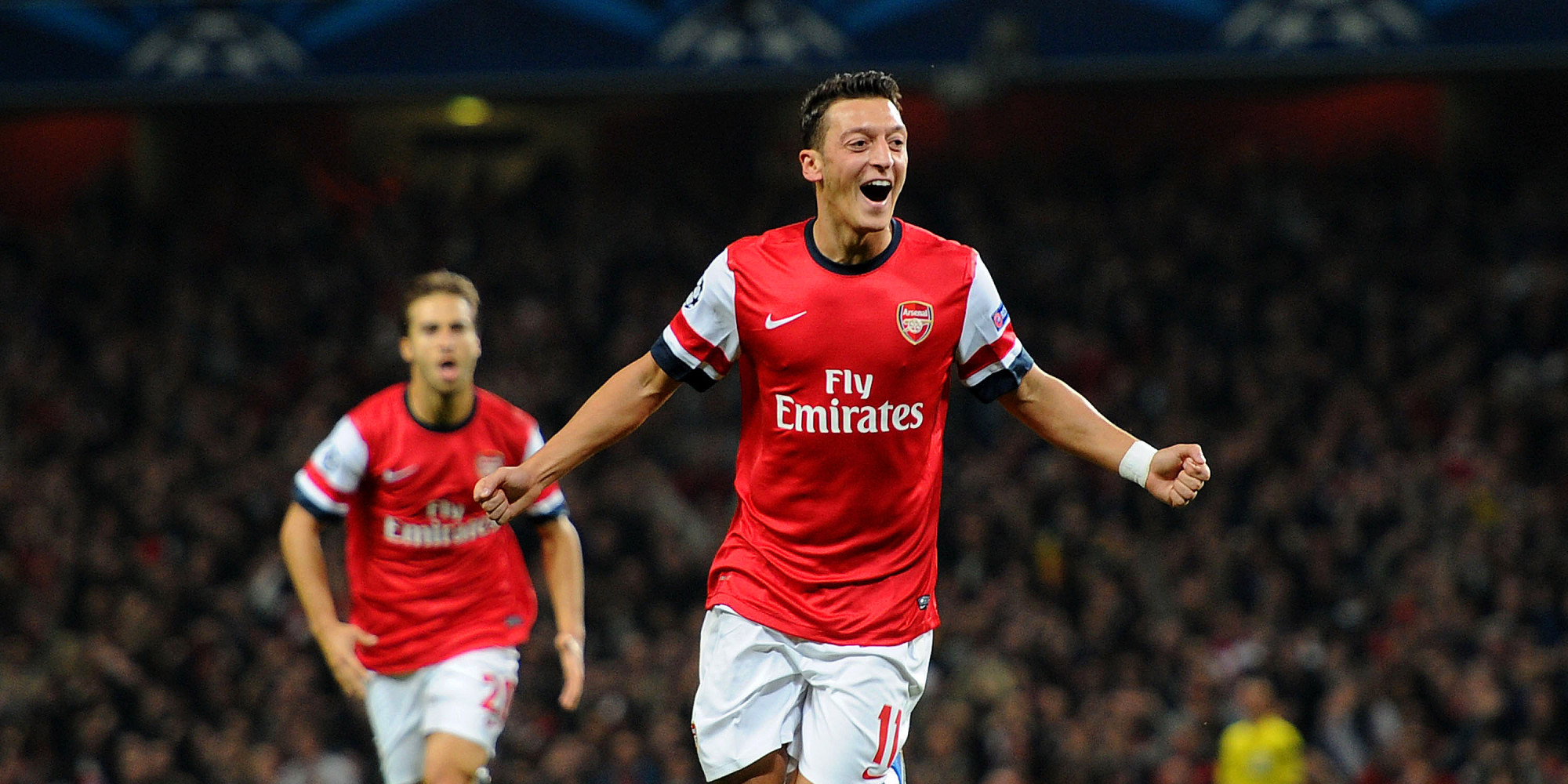 Mesut Özil Scores First Arsenal Goal, Celtic Lose And More