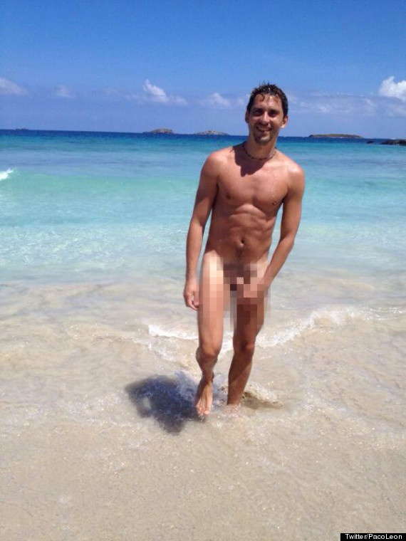 Paco Leon Tweets Nude Picture To Celebrate Million Twitter Followers