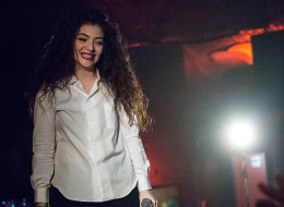 lorde charts her first no 1
