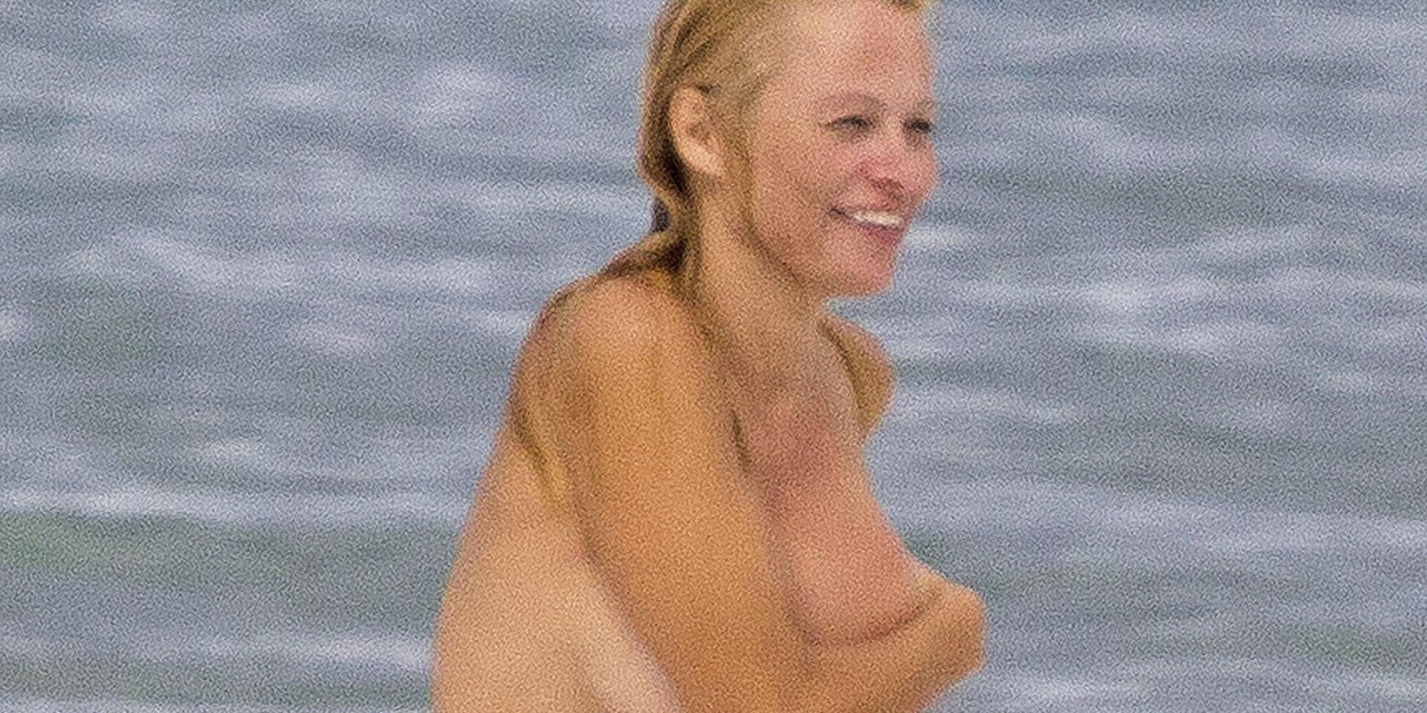 mom naked self shot pics