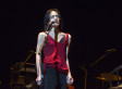 Fiona Apple Breaks Down After Being Heckled Over Her Appearance