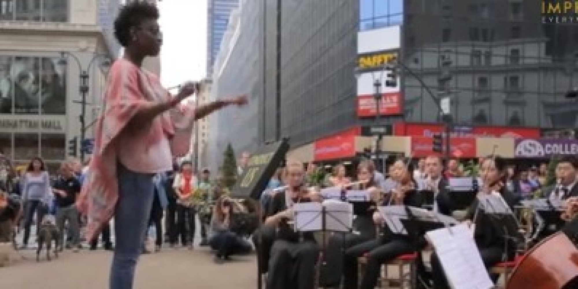 Vid o un orchestre dirig par des badauds new york for Un re a new york