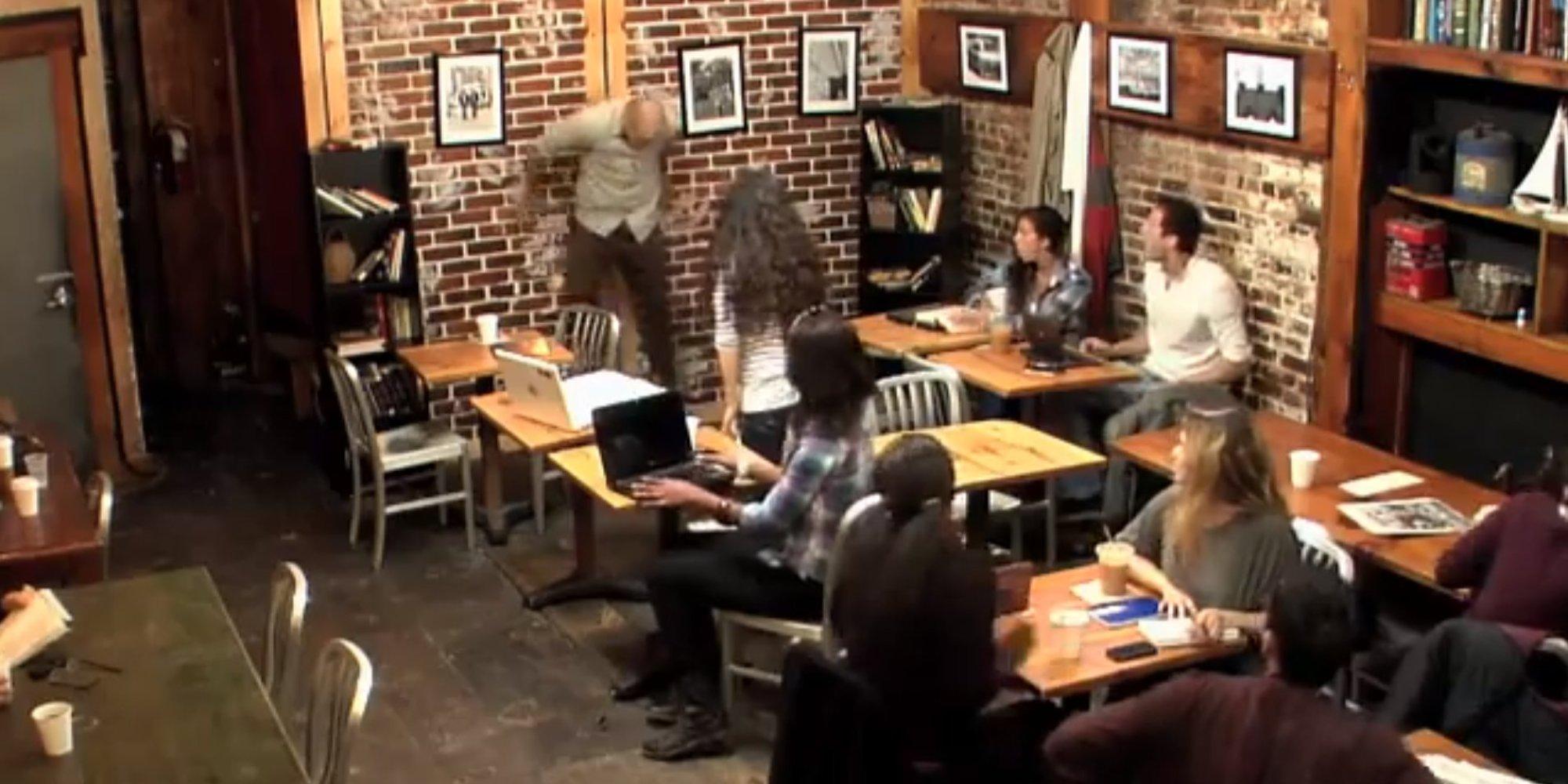 Развёл в кафе онлайн 5 фотография