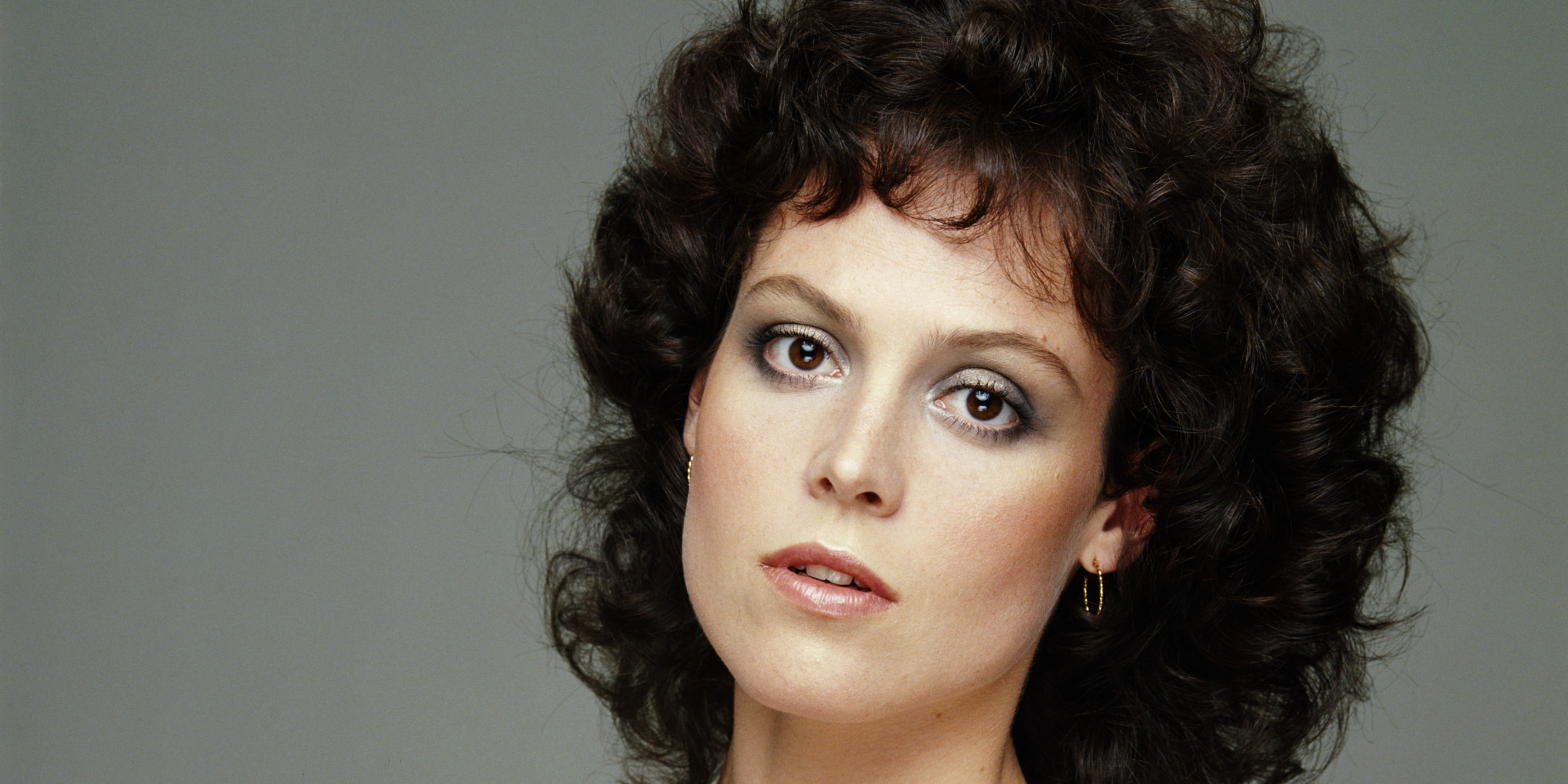 Sigourney Weaver Shows Us How To Pull Off Dramatic 80s
