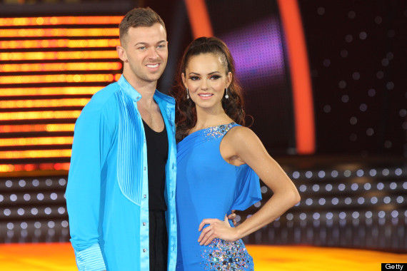 Who is artem dating