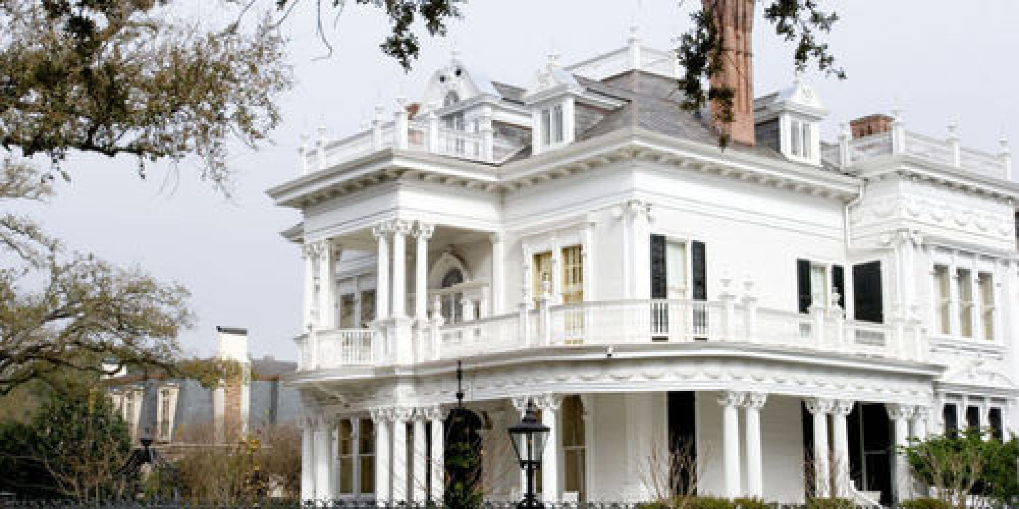 New orleans beyond bourbon street huffpost for Things to do in the garden district