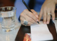 Generous Diners Leave Waitress And Fellow Customers A Sweet Surprise (VIDEO)