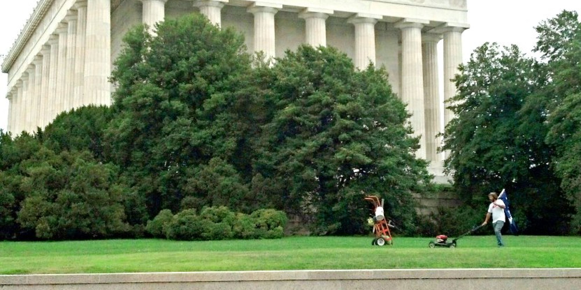 Mystery Man Spotted Mowing Lincoln Memorial Lawn Despite