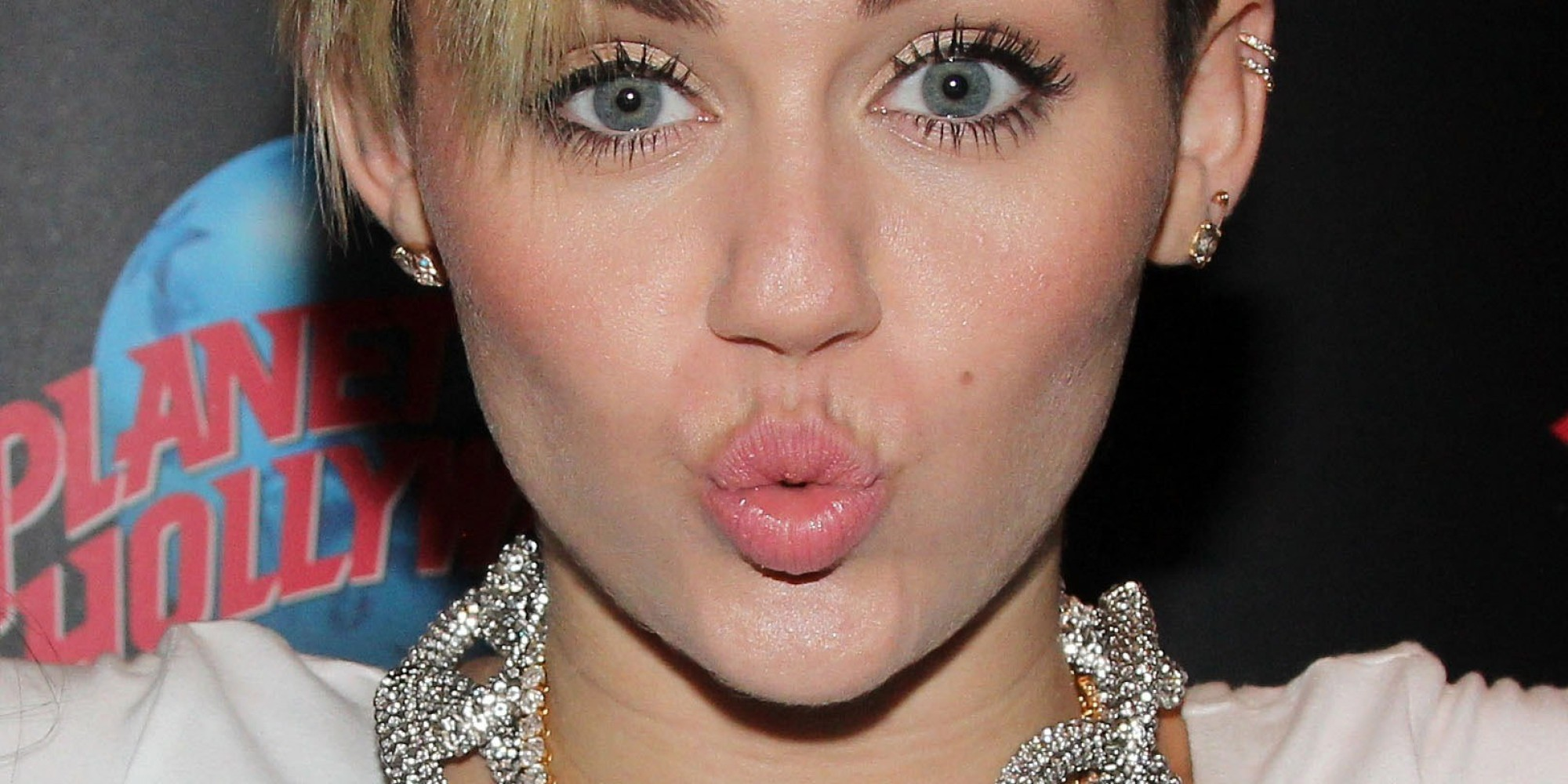 Dr. Luke Owes Miley Cyrus A '$10,000 Toilet' | HuffPost Miley Cyrus