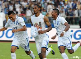 Honduras pone un pie en el Mundial (VIDEO)