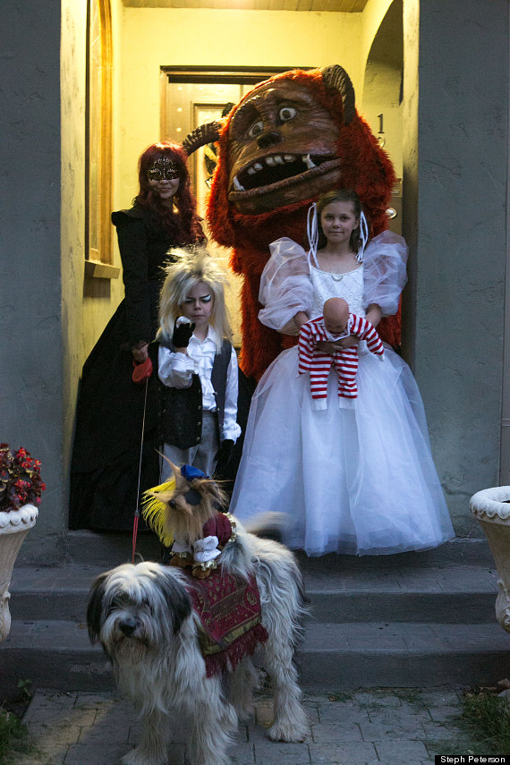 The Search For The Best Family Halloween Costume Of 2013 Is Already Over Huffpost Life