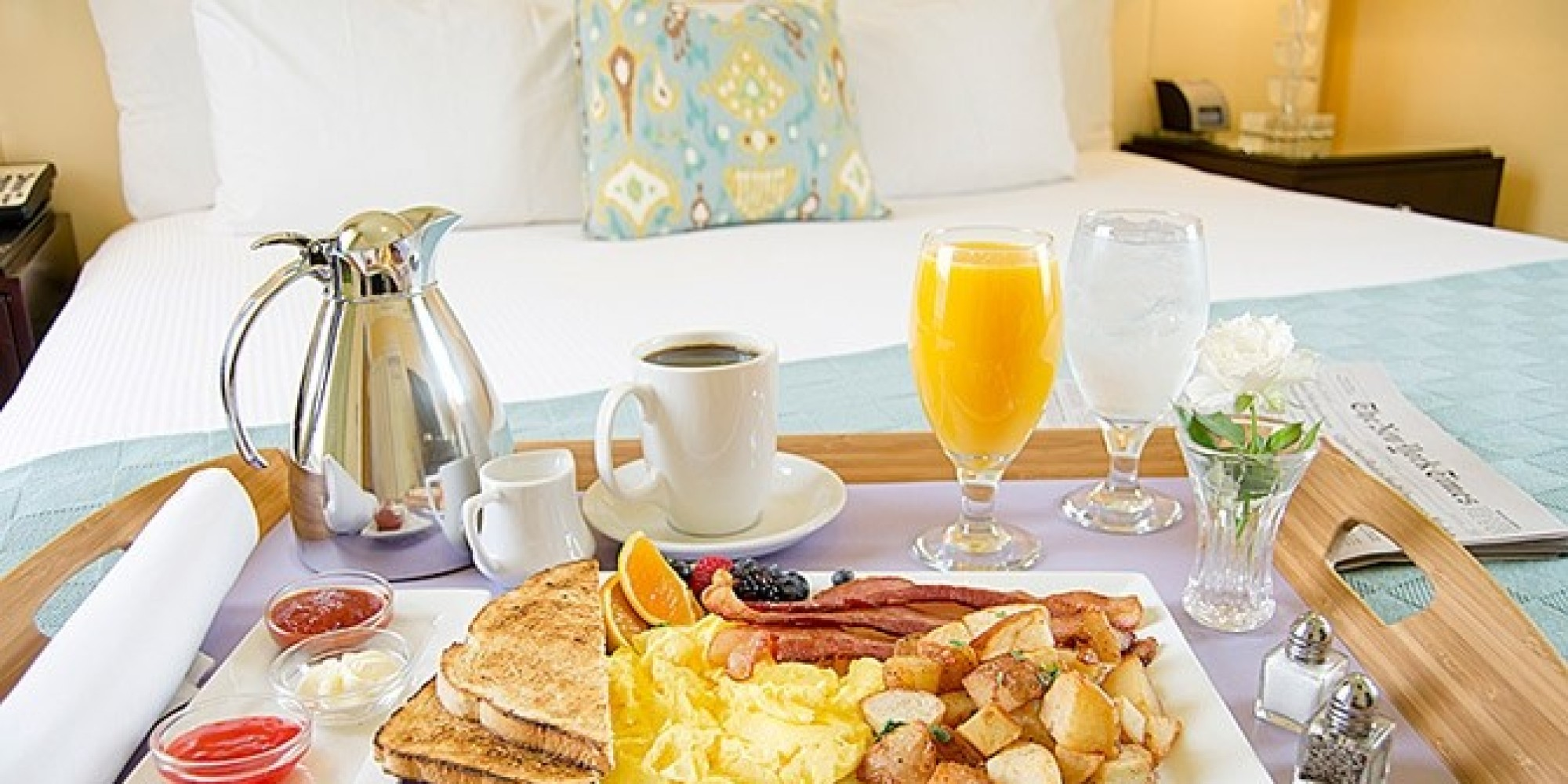 America 39 s most popular room service items huffpost for Service veterinaire cuisine