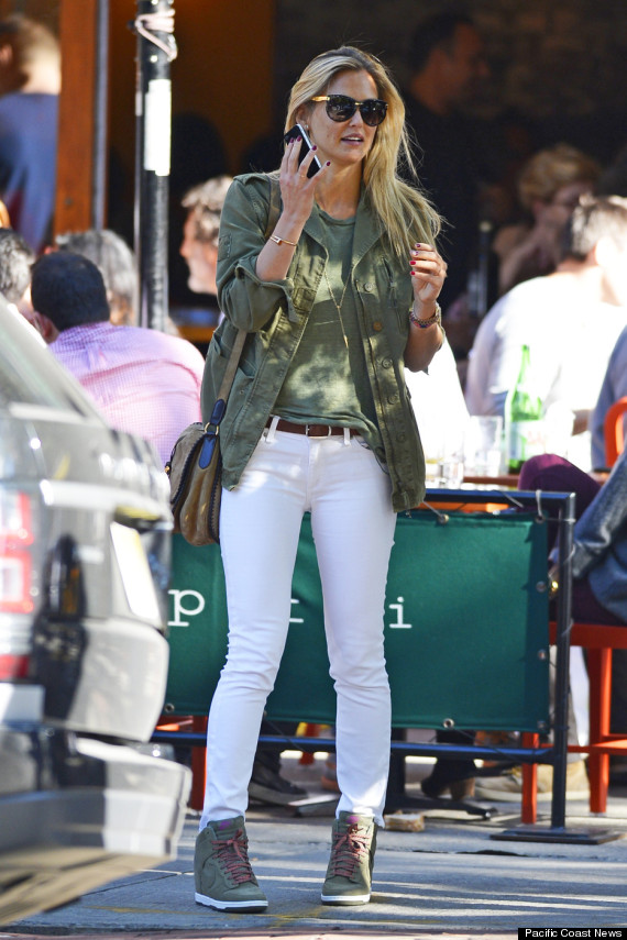 Bar Refaeli S White Jeans Are Perfect For Fall In New York