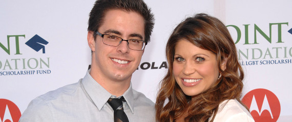 danielle fishel marries