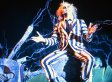 Tim Burton In Talks For 'Beetlejuice 2' Return