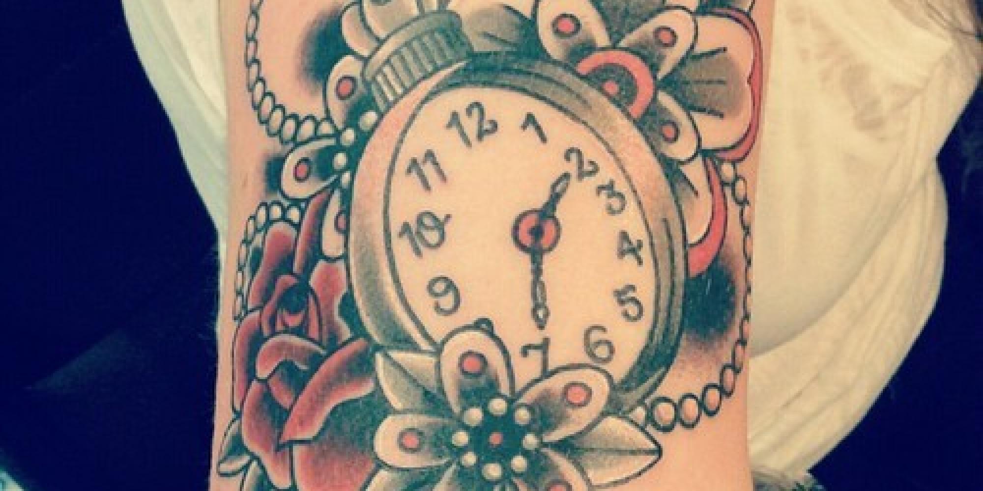 Tatuaggi gli orologi da taschino spopolano e gli orologi for Bussola tattoo significato