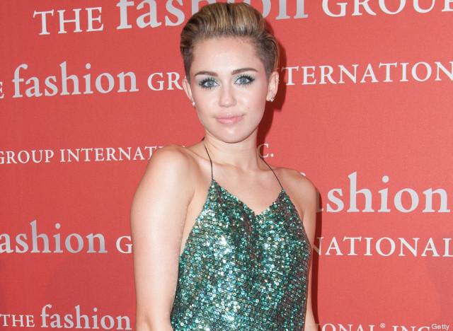 Miley Cyrus sorgt auf dem roten Teppich für einen Skandal