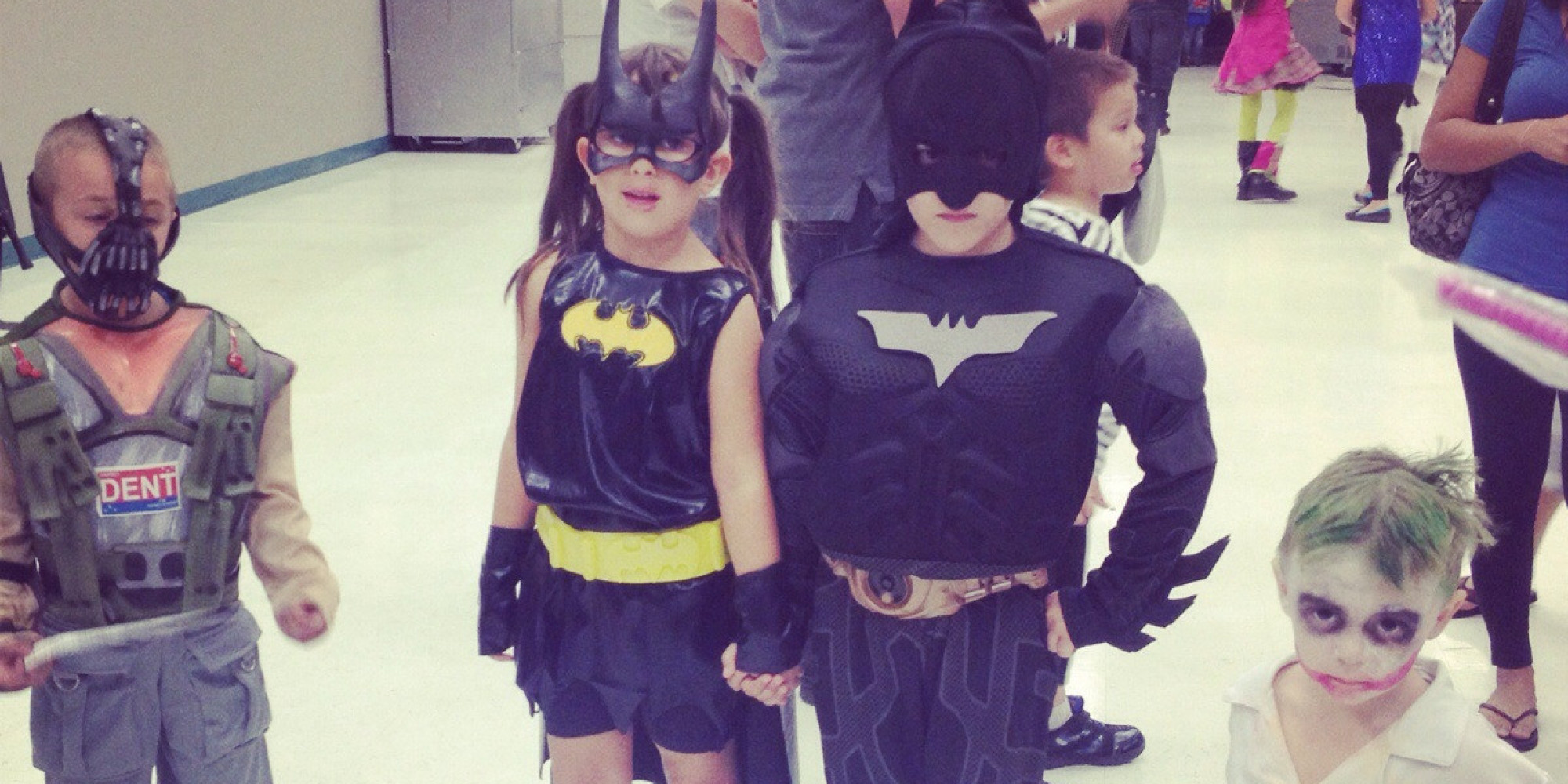 Batman and batgirl dating after divorce. 100 escovadas antes de dormir online dating.