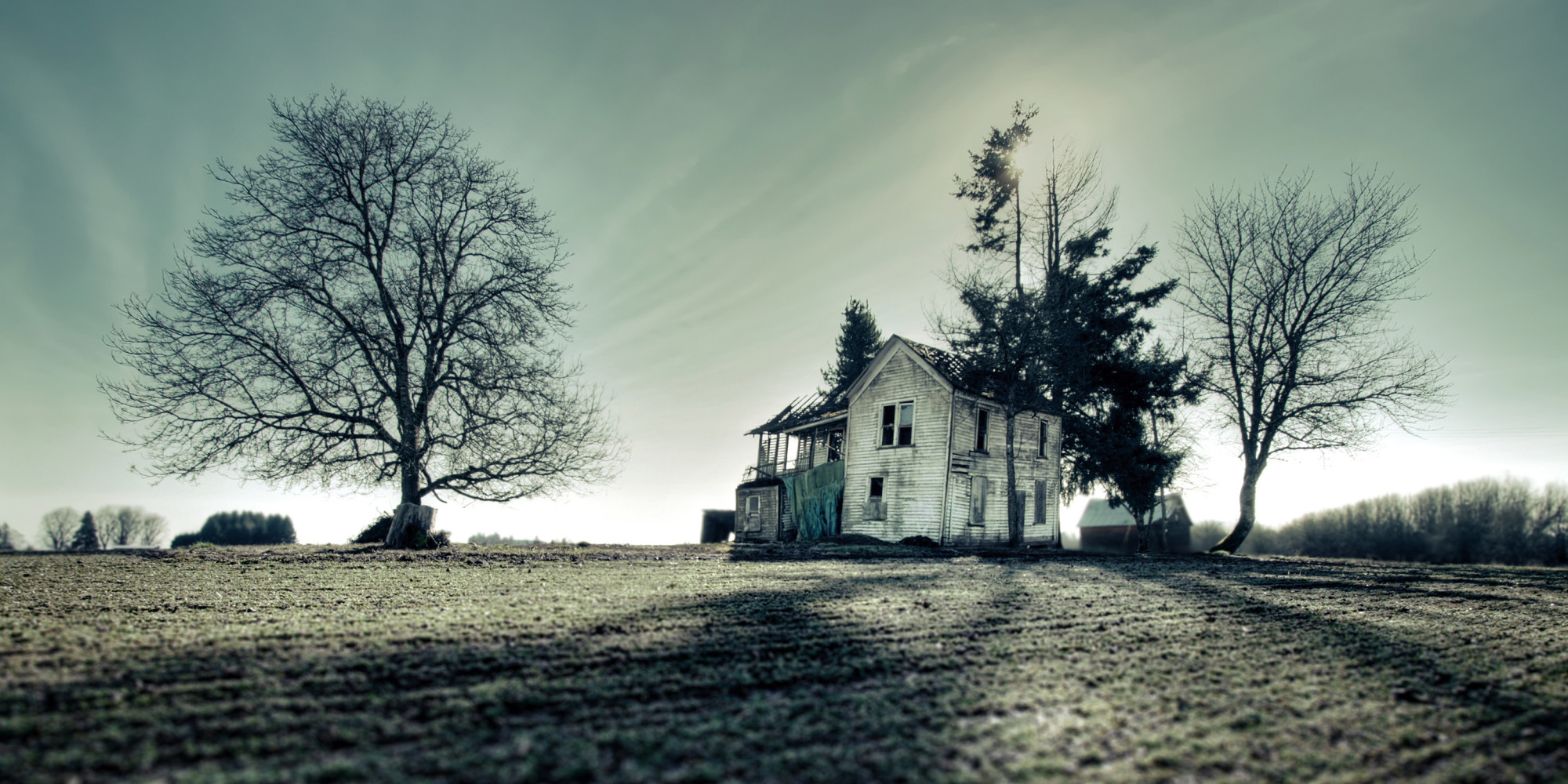 a haunted house How to live in a haunted house you just moved in, and now you have really bad feelings about the place chances are the place could be haunted you may be frightened, but don't be reading this article can help you cope with the ghost's.