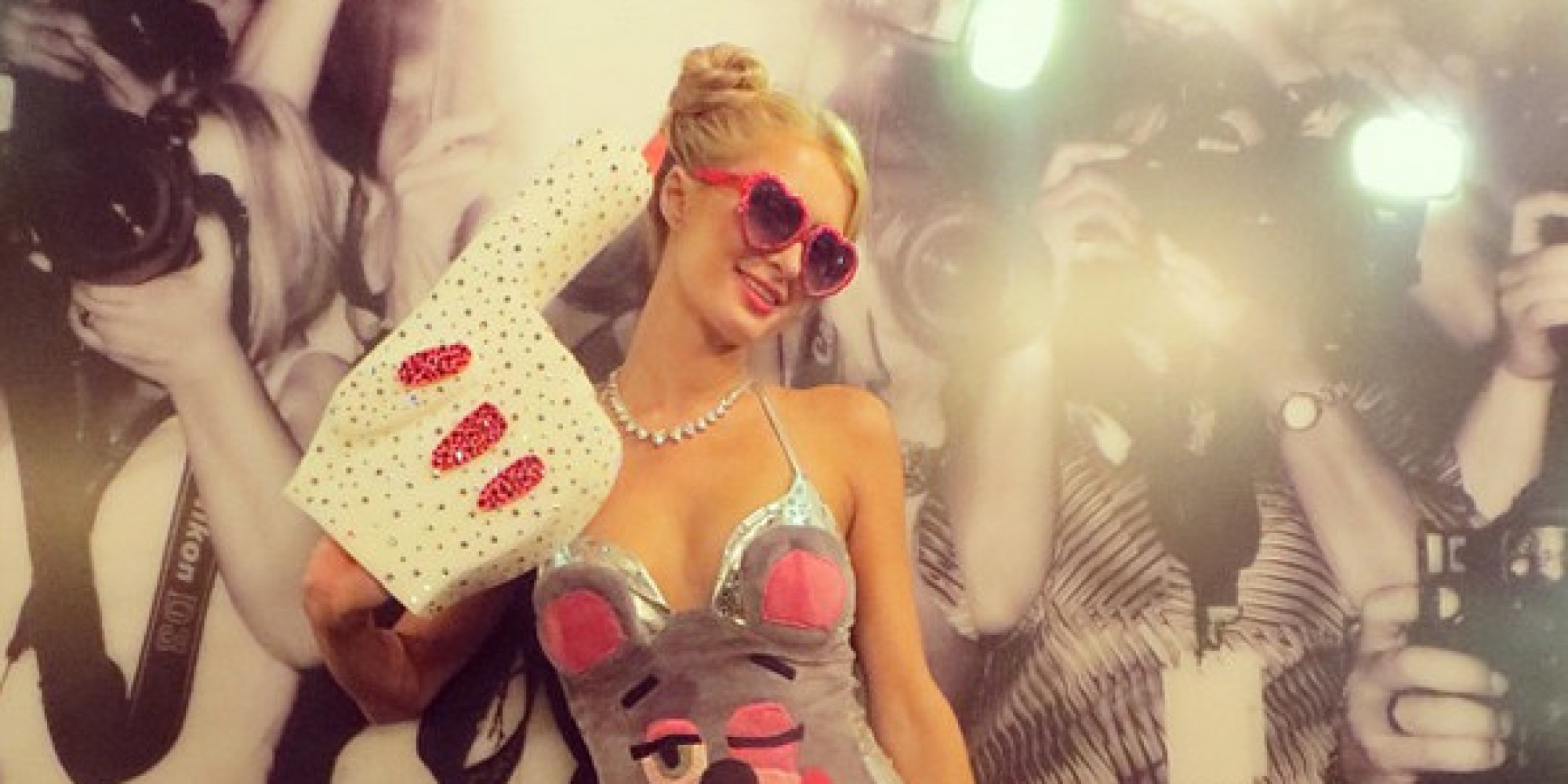 Paris Hilton se disfraza de Miley Cyrus (FOTOS): voces.huffingtonpost.com/2013/10/27/paris-hilton-miley-cyrus...
