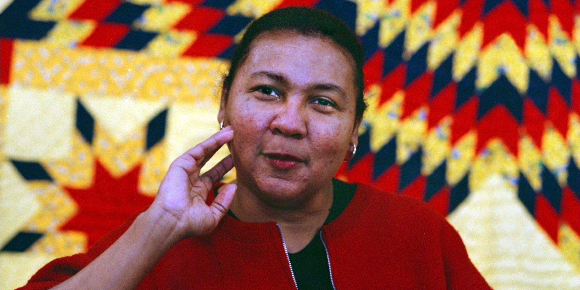 bell hooks keeping close to home class and education Contents: introduction bell hooks on education hooks and freire  she came  from a poor working class family and worked her way up the academic ladder to   but to learn ideas that ran counter to values and beliefs learned at home was to .