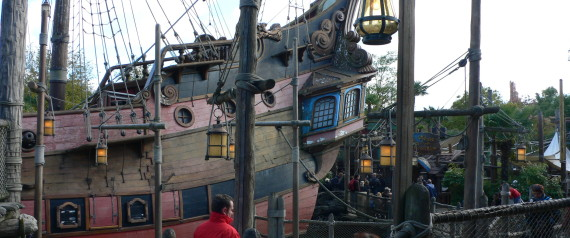 DISNEY PIRATES PARIS