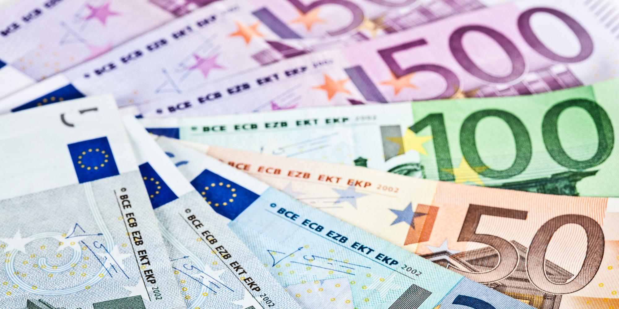 le salaire moyen par t u00eate a atteint 2 466 euros bruts au
