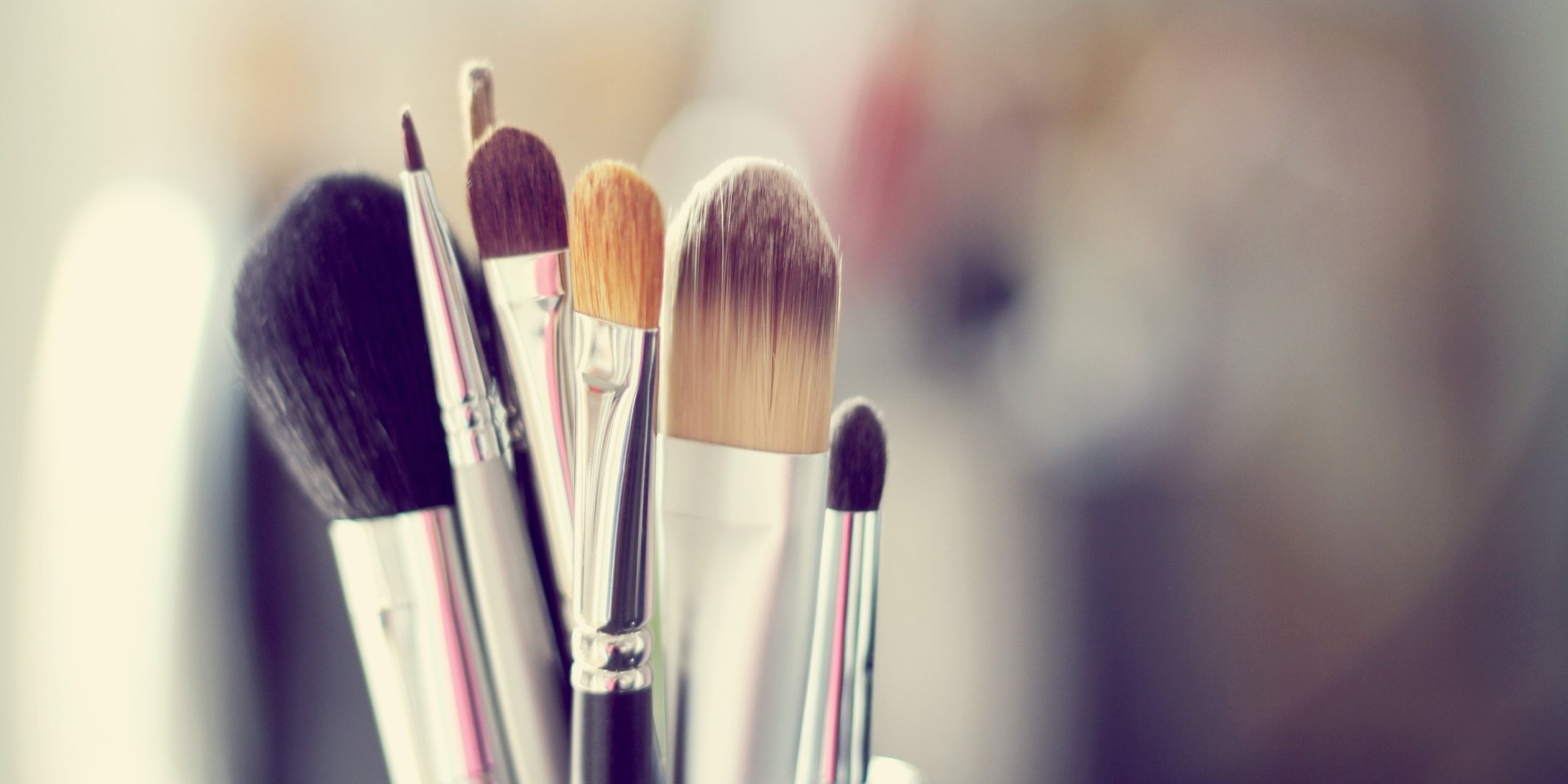 The 5 Makeup Brushes You Should Own & How To Use Them Makeup Brushes Tumblr