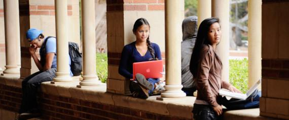 COLLEGE STUDENTS CAMPUS