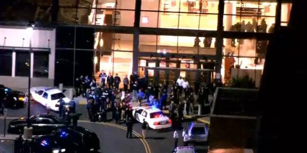 New Jersey Mall Shooting Police Search For Gunman After Incident At Westfield Garden State
