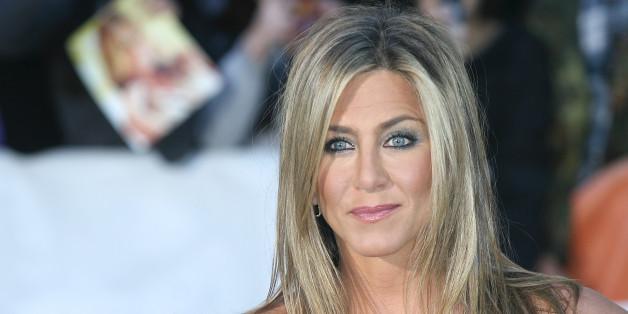 Jennifer Aniston Gets A New Haircut