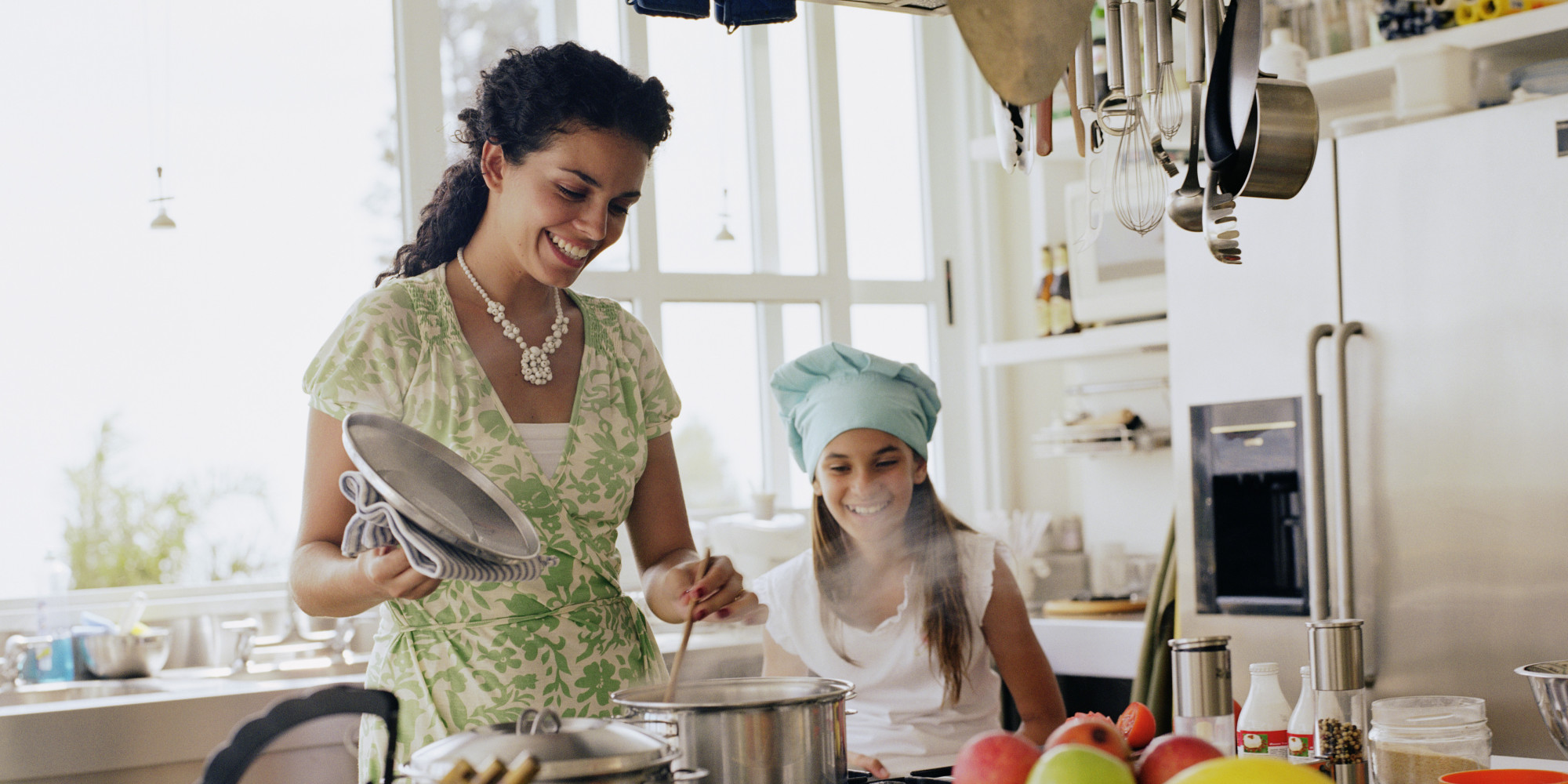 Family cooking kitchen - Why Does Cooking At Home Fight Hunger And A Whole Lot Of Other Problems Huffpost