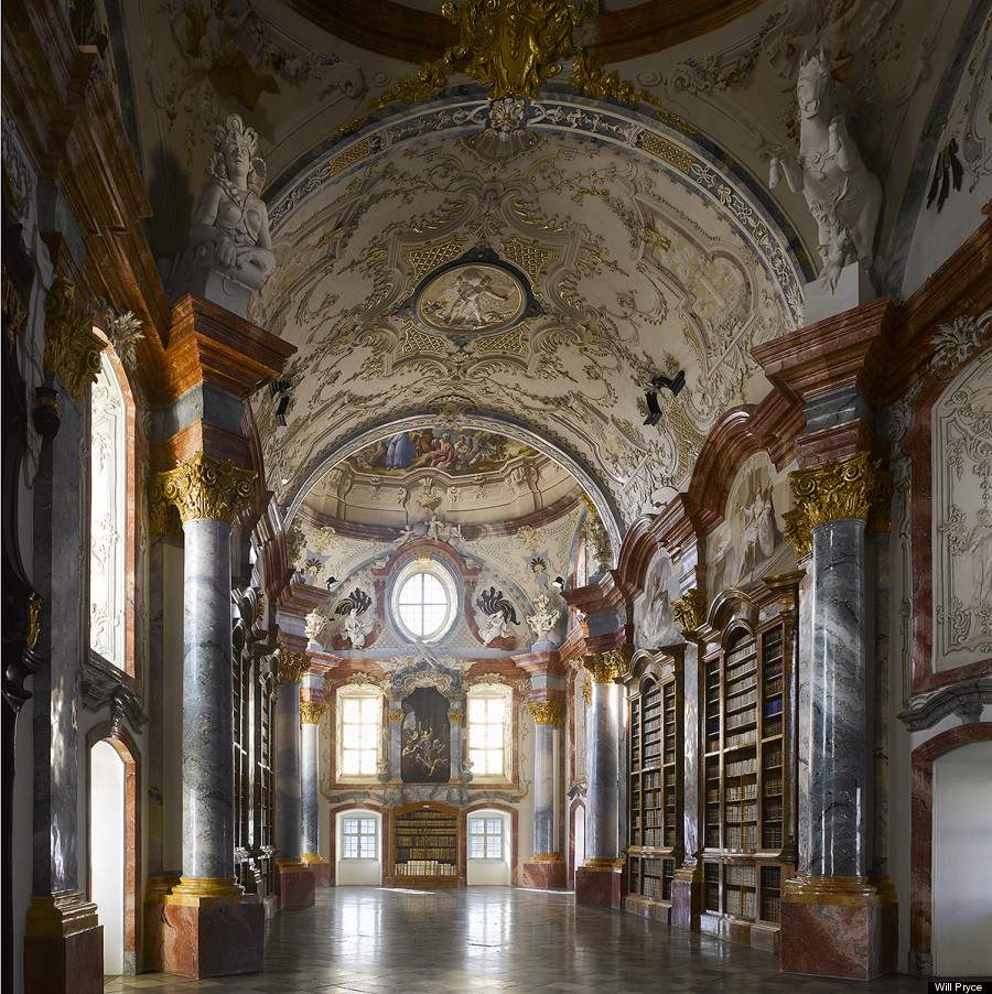 Exploring The World's Greatest Libraries (PHOTOS)