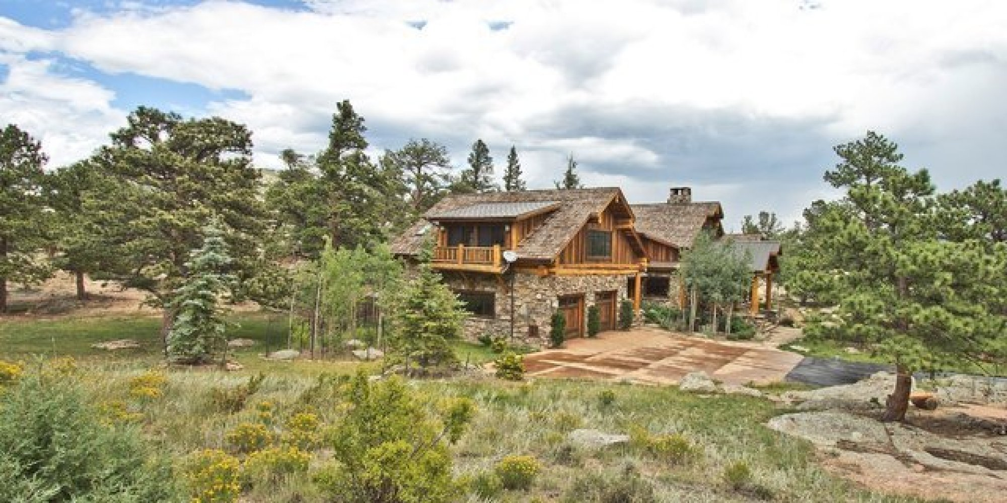 Amazing photo of Log Cabins That Are Perfect For Hibernating Winter Away (PHOTOS  with #927639 color and 2000x1000 pixels