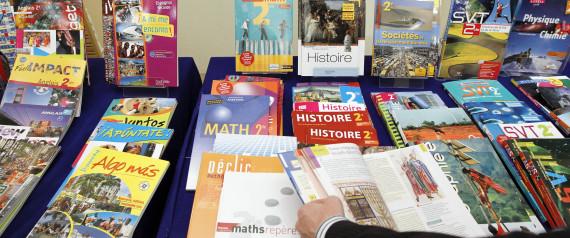 femmes manuels scolaires