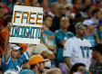 These Dolphins Fans' Signs Support Richie Incognito Amid Miami Bullying Scandal (PHOTOS)