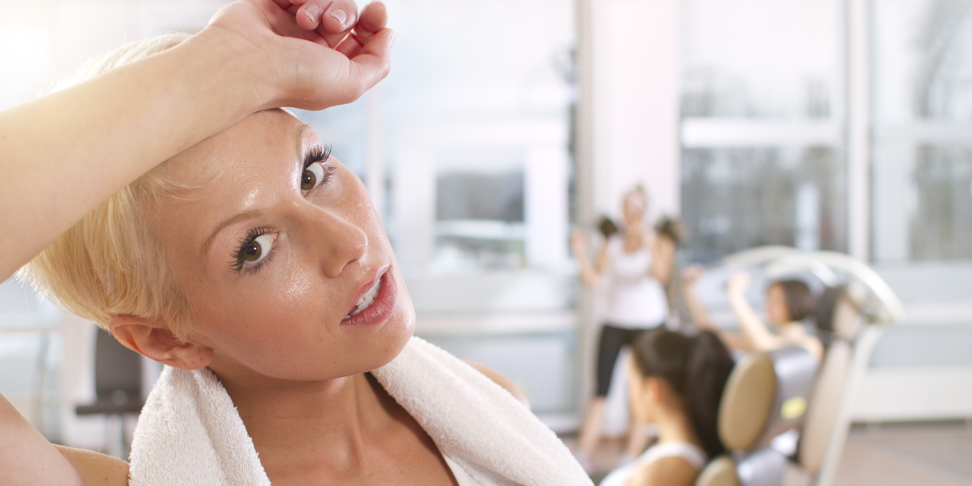 Why You Definitely Shouldn't Wear Makeup To The Gym