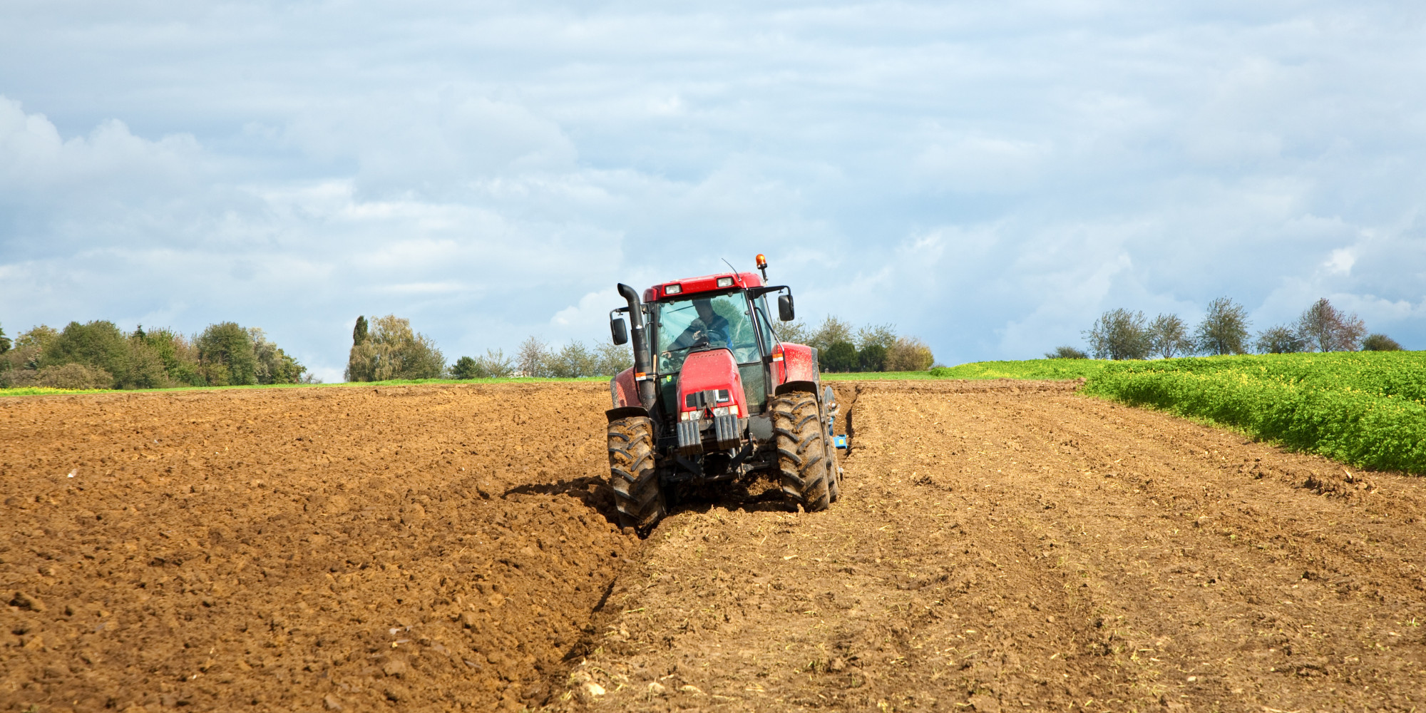 Farmer On Tractor : Boy aged dies in tractor accident on farm