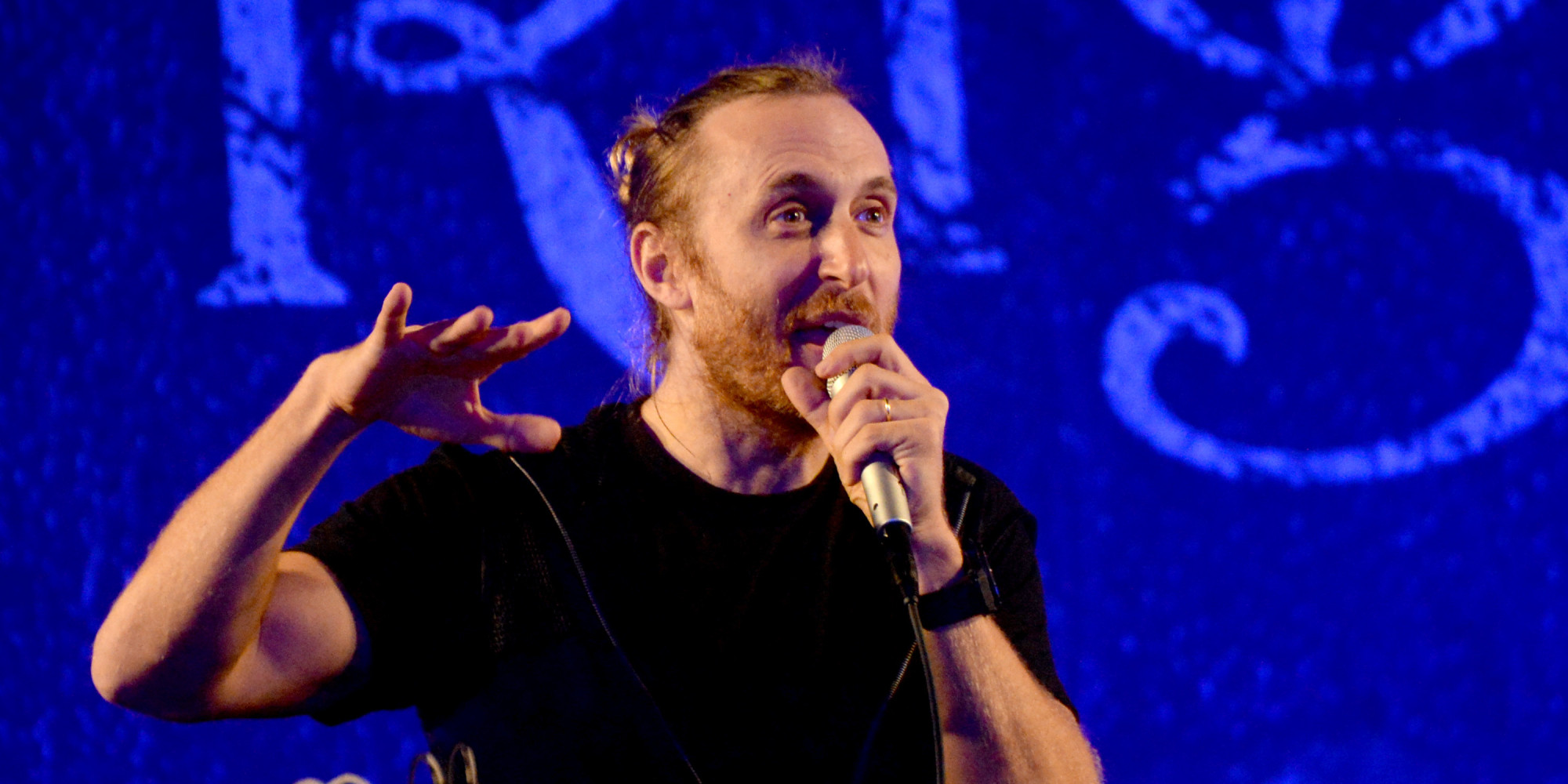 David guetta reacts to lorde s diss i didn t ask her the