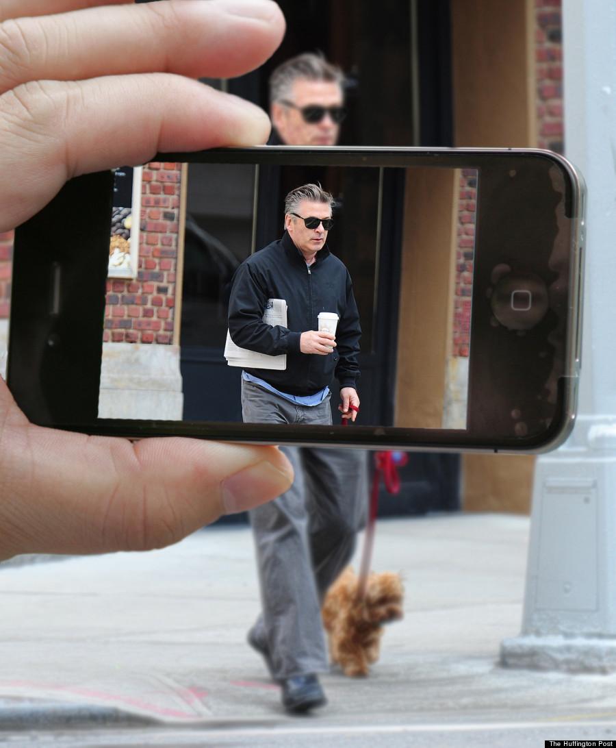 alec baldwin paparazzi iphone