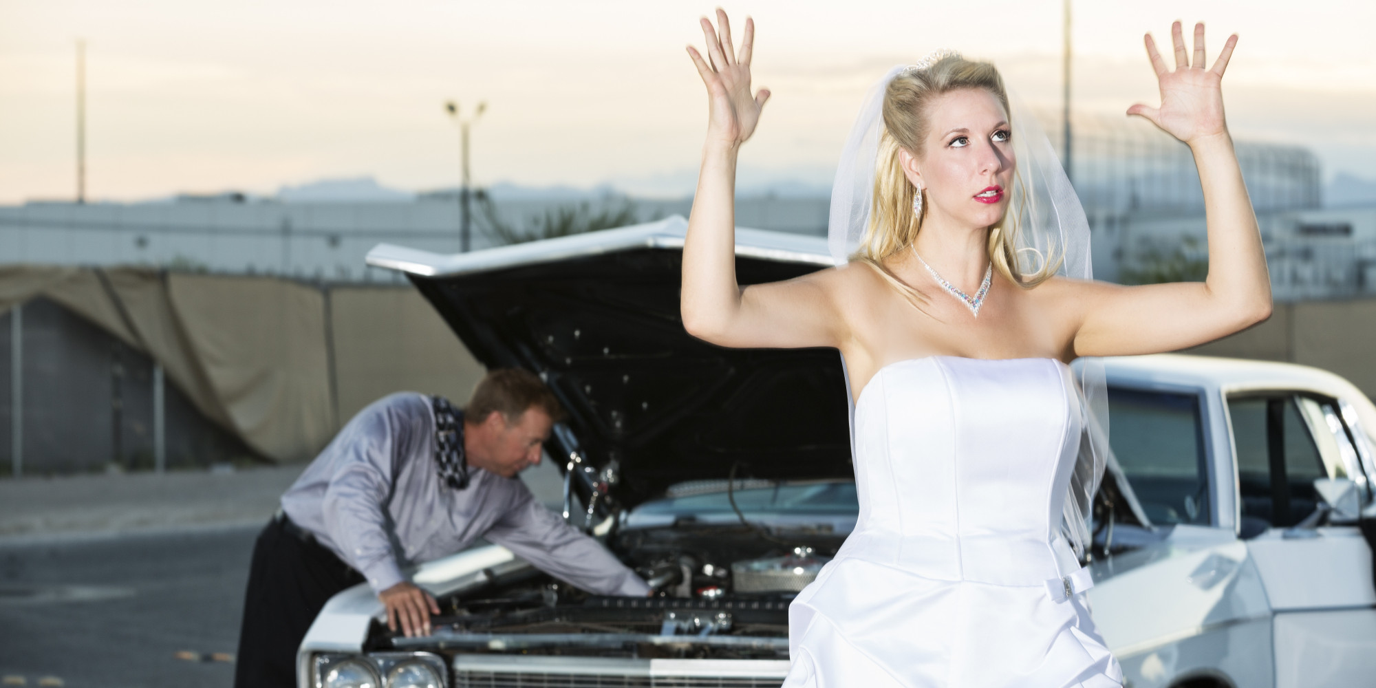 pros dish on biggest wedding day dramas  theft  trapped