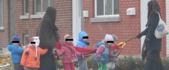 éducatrices garderie niqab
