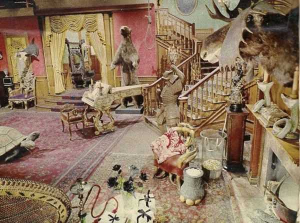 'The Addams Family' Set As You've Never Seen It Before ...