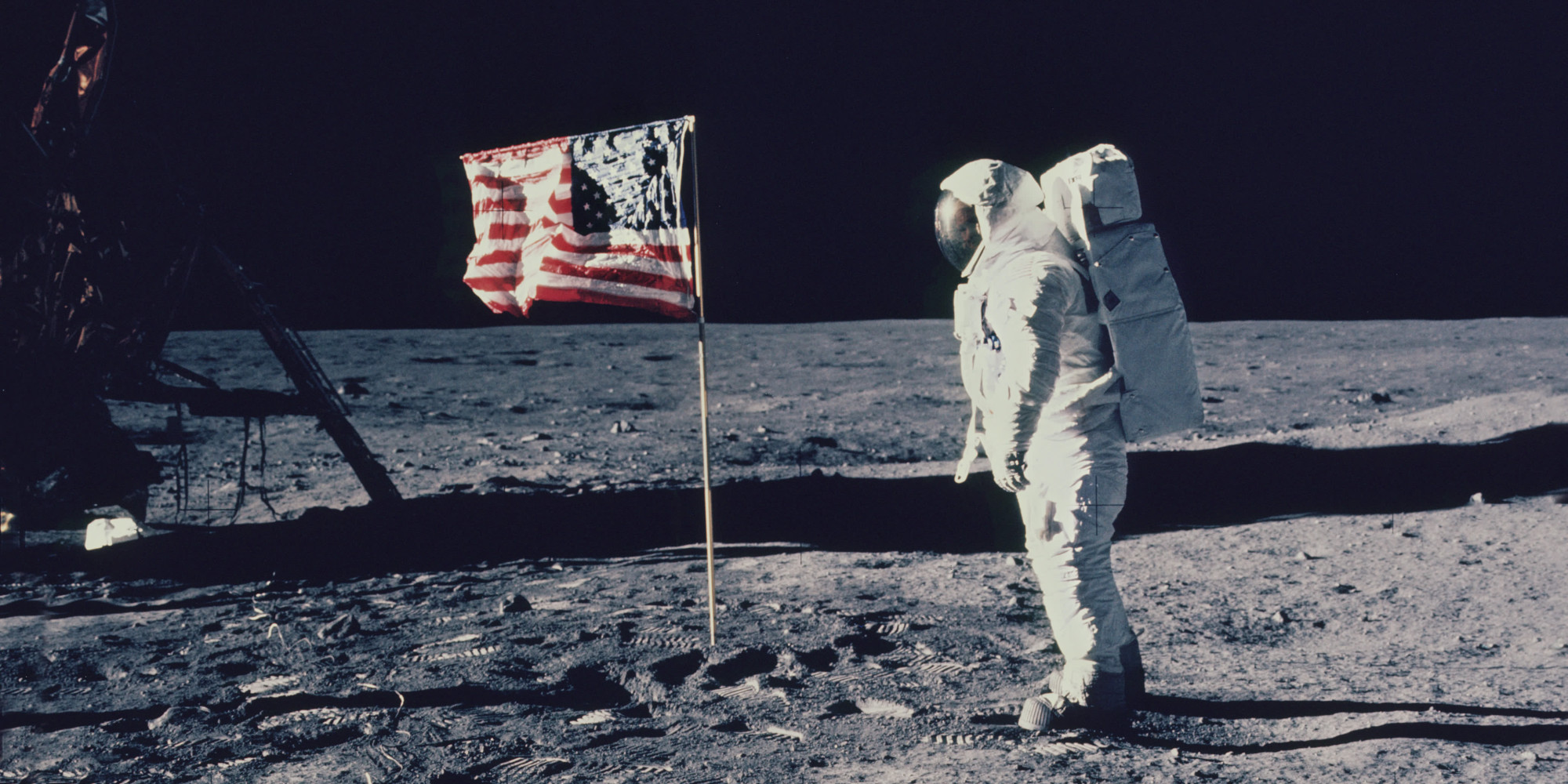 "neil armstrong and the moon landing A new movie starring canadian actor ryan gosling tells of the story of neil armstrong landing on the moon–but omits the american flag the telegraph reports that the flag is not shown in the new movie first man, with star ryan gosling saying that the american moon landing ""transcended countries."