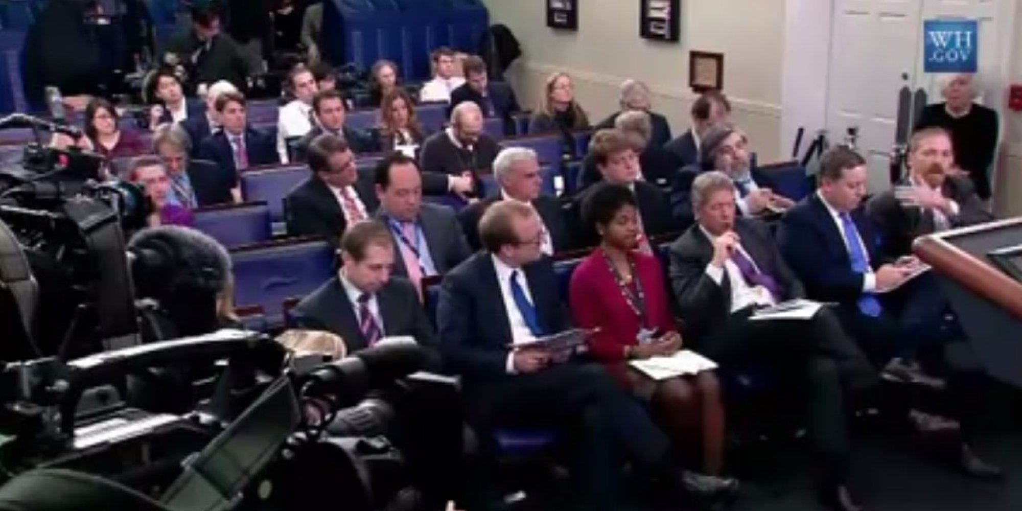 White House Reporters Question Limits On Photo Access At Press Briefing Huffpost