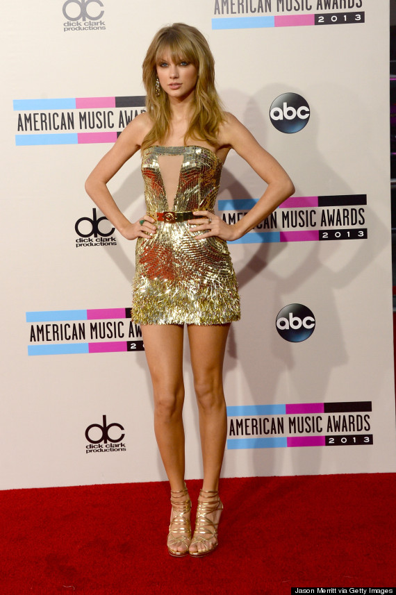 Taylor Swift's American Music Awards Dress Steals The Show | HuffPost
