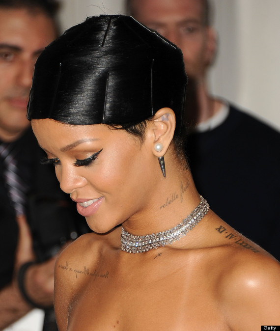 Rihanna's Hair At The AMA Is Actually NOT A Real Hairstyle