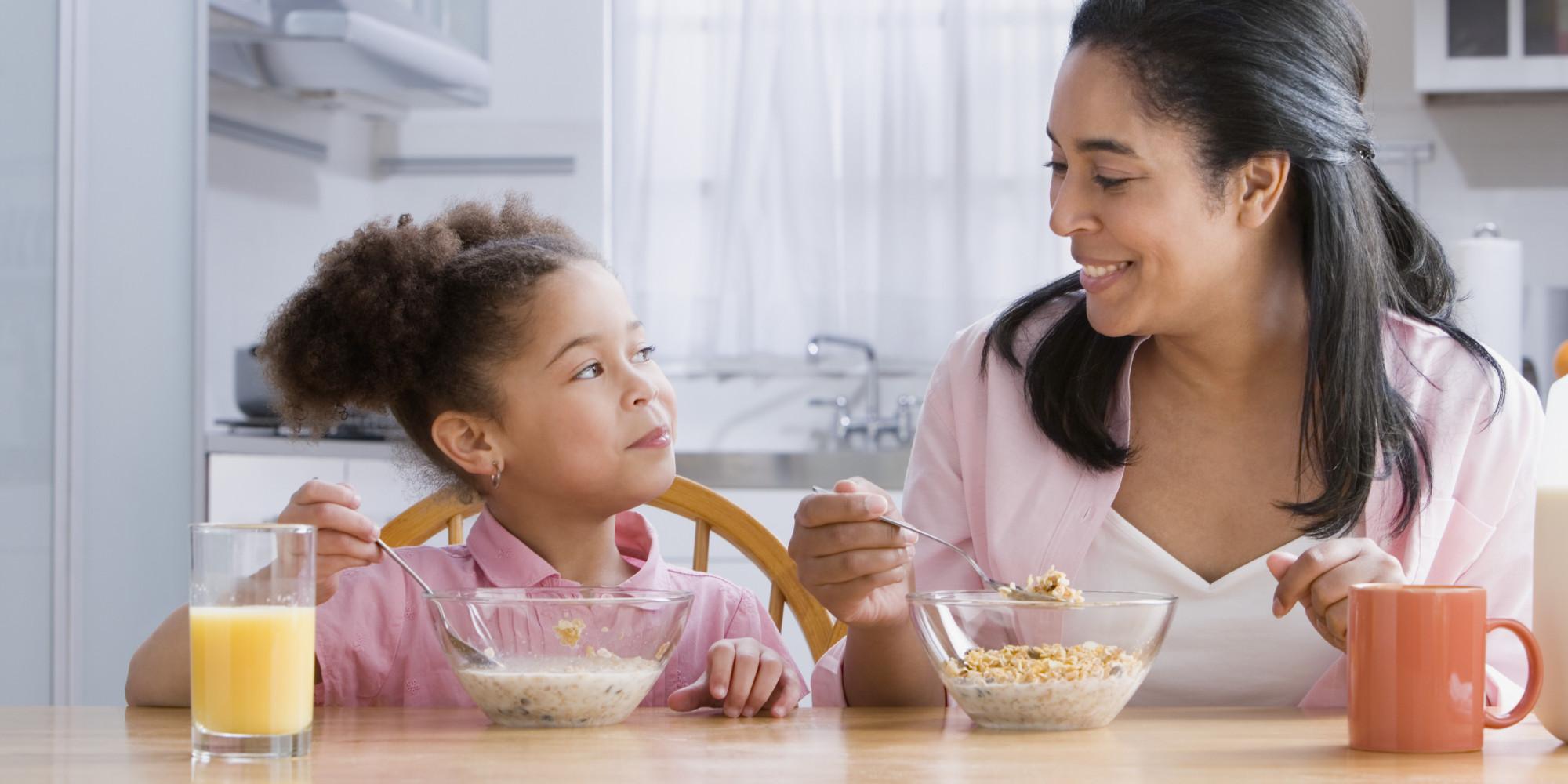 Chế độ ăn đúng cách cho trẻ trong ngày nóng