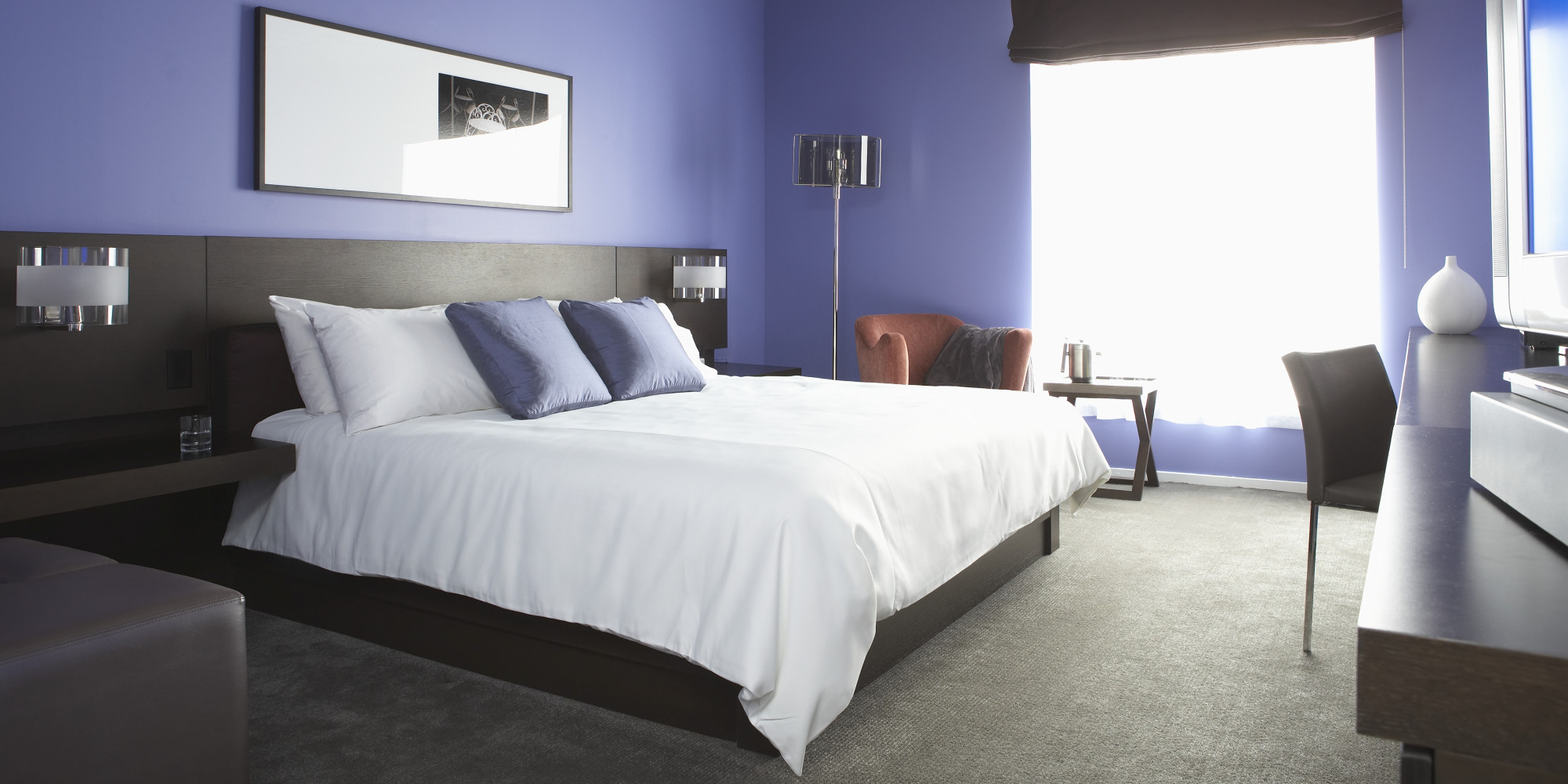 10 things to do in hotels besides sleep huffpost. Black Bedroom Furniture Sets. Home Design Ideas