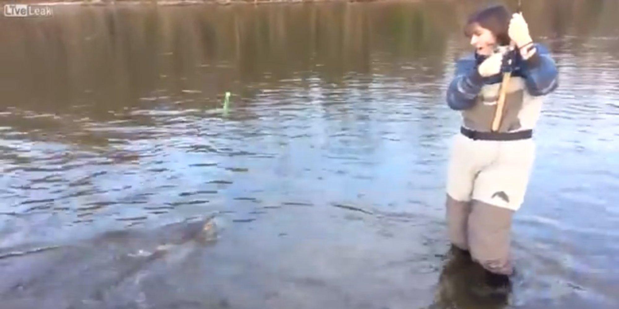 Смотреть голые на рыбалке 20 фотография
